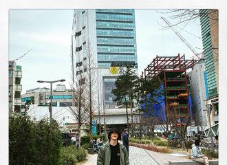 [新闻]200329 李东海上线营业啦!最新照片帅气来袭