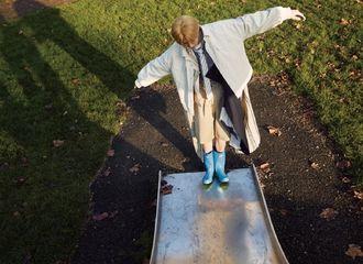 [分享]210419 《Wonderland》中文版内页大片回顾 点击观看可爱小葵滑滑梯