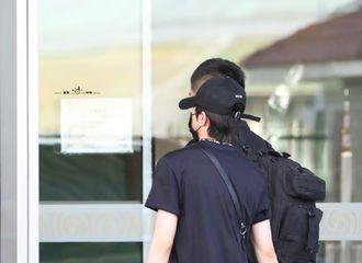 [新闻]200603 今夜的机场属于奶泡森 坤丞贾bro各有行程飞向各处