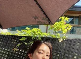"""[新闻]200606 Irene,以耀眼的美貌传达的魅力...日常是""""画报本身"""""""