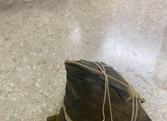 [新闻]200625 迪丽热巴端午节更博晒粽子 搭配酸奶疙瘩食用简直一本满足!