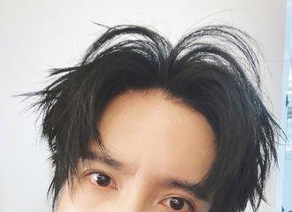 [新闻]200704 薛之谦更博晒自拍照 炯炯有神的大眼睛is watching you!