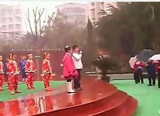 [分享]200814 考古王源小学主持读书节汇演视频一则,从小就才艺双全的源小源