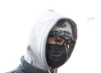 [新闻]201025 前方珍珠糖发来朱正廷横店上班look 请查收今日份暖呼呼的贝贝