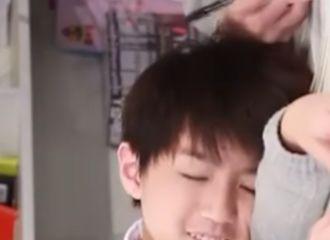 [分享]201030 妈妈粉们的福利来啦!肉肉的王俊凯向你走来