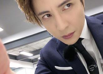 [新闻]201122 等到了!是新歌将至的声音!薛之谦更博晒自拍发布新歌预告
