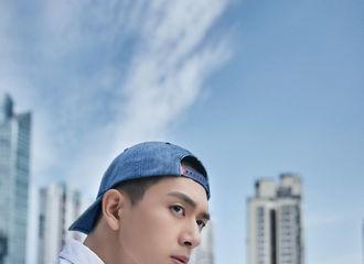 [新闻]201129 李现亮相《赤狐书生》路演广州站 白衣少年郎打卡终点站