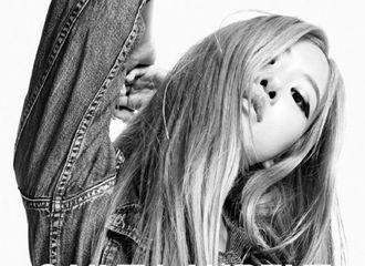 [分享]201203 Rosé作为形象大使再度登上品牌全球广告,在线演绎黑白时尚大片!