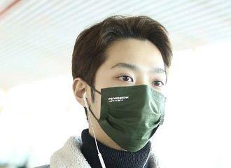 [新闻]201209 赖冠霖北京出发飞往上海 机场穿搭保暖又有型诠释冬日男友风