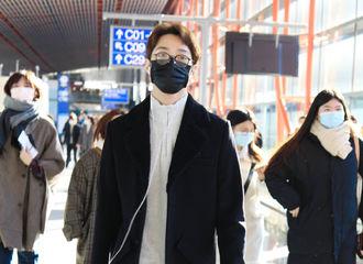[新闻]201215 赖冠霖北京出发飞往上海 暖男冬日穿搭尽显文艺气息