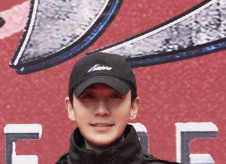 [新闻]210102 朱一龙主演的电影《无限深度》今日开机 2021年首次上工打卡成功!