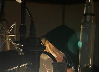 [新闻]210118 蔡徐坤深夜更博晒录音室工作照 新的作品已经在路上了吗?