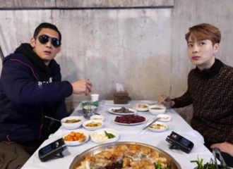 [新闻]210226 《Wassup Man》朴俊炯&王嘉尔,千叶→生肝...好与坏的极与极食物挑战记
