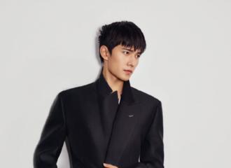 [新闻]210407 杨洋dunhill库存新图公开 俊朗外形散发成熟男性魅力