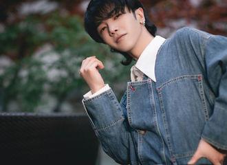 [新闻]210417 华晨宇出席风潮新秀场活动 透露有演唱会计划