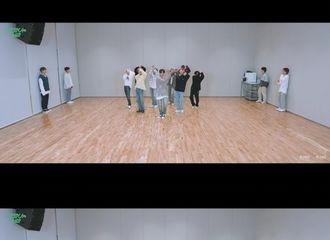 [新闻]210427 SEVENTEEN, 《你不是孤单一人》舞蹈视频公开...令人战栗的刀群舞