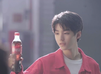 [新闻]210509 王俊凯可口可乐片场花絮释出 可乐是无糖的,可小凯是全糖的!