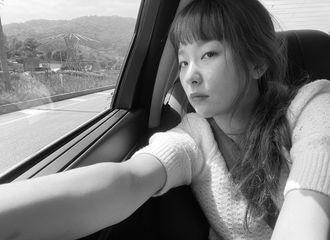 [新闻]210508 Red Velvet 涩琪,黑白装展现出来的古惑美..迷人的视觉效果