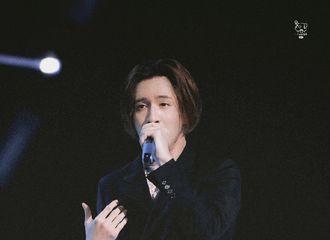 [新闻]210522 薛之谦521薇娅狂欢节连唱两首 嗓子发炎也能稳定输出实力认证