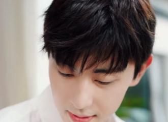 [新闻]210526 邓伦科罗娜广告大片公开 海盐味白衬衫少年苏感满满