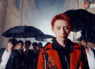 [新闻]210604 小鬼《Raining》最新预告昨晚公开 雨中漫步的少年用音乐讲述成长的历程