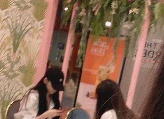 [分享]210607 韩饭上传昨日偶遇Karina后记,脸蛋比屏幕上还要漂亮!