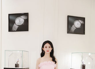 [新闻]210611 工作室公开赵丽颖活动现场照&侧拍花絮 第二次云南之行连空气都是粉色的