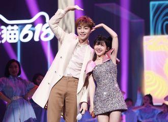 [新闻]210617 陈立农、赖美云甜蜜合唱《专属合约》 甜boy与甜妹是在拍偶像剧吧!