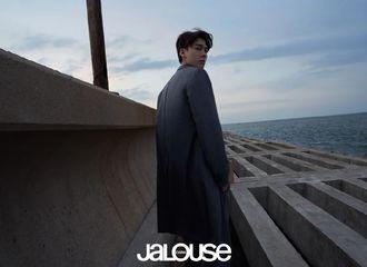 [新闻]210619 李易峰《JALOUSE》新图分享 氛围感这种feel已经彻底拿捏了!