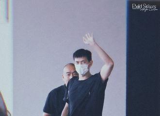 [新闻]210713 李现今日份新鲜路透出炉 是荷尔蒙炸裂的运动系男友!