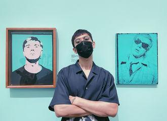 [新闻]210818 李现更博分享看展图 文艺少年今天又在散发魅力了!