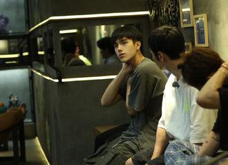 [新闻]210822 《嗨放派》第一期节目正片上线 和陈飞宇一起探索太阳蕴藏的威力