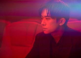 [新闻]210831 工作室分享千玺北京电影节宣传片花絮图 在光影的交错中,感受胶片定格的魅力