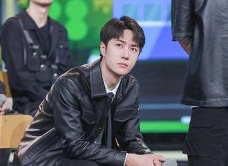 [新闻]210924 王一博黑色皮衣look帅得很超过 谁还没看到《天天向上》最新剧照
